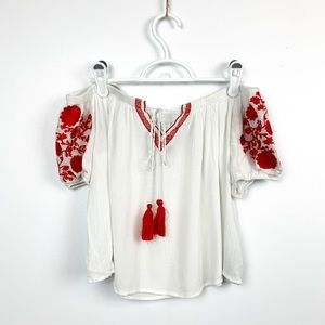 🌼2/$22🌼 Boho Off Shoulder Embroidered Top